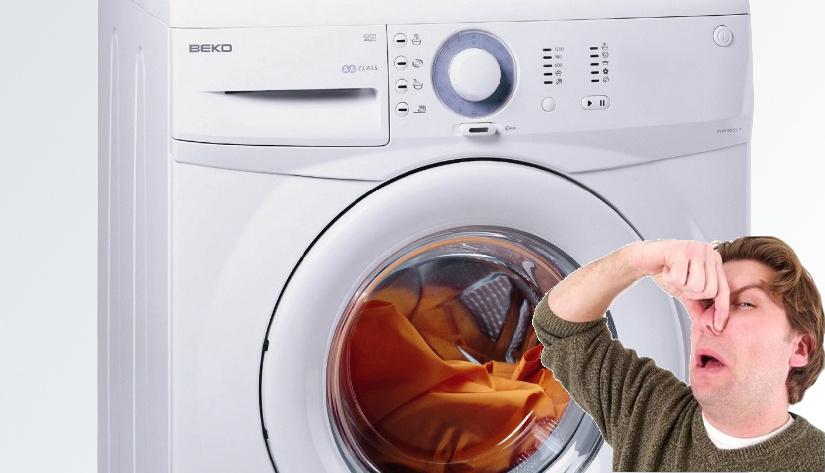 Nieuwe wasmachine ruikt chemisch